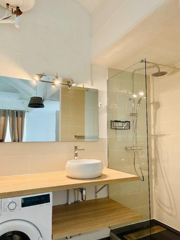 Appartement à louer 2 52m2 à Pointe-à-Pitre vignette-7