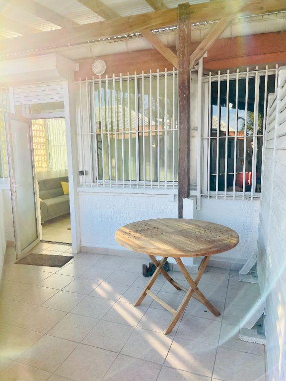 Appartement à louer 2 52m2 à Pointe-à-Pitre vignette-15