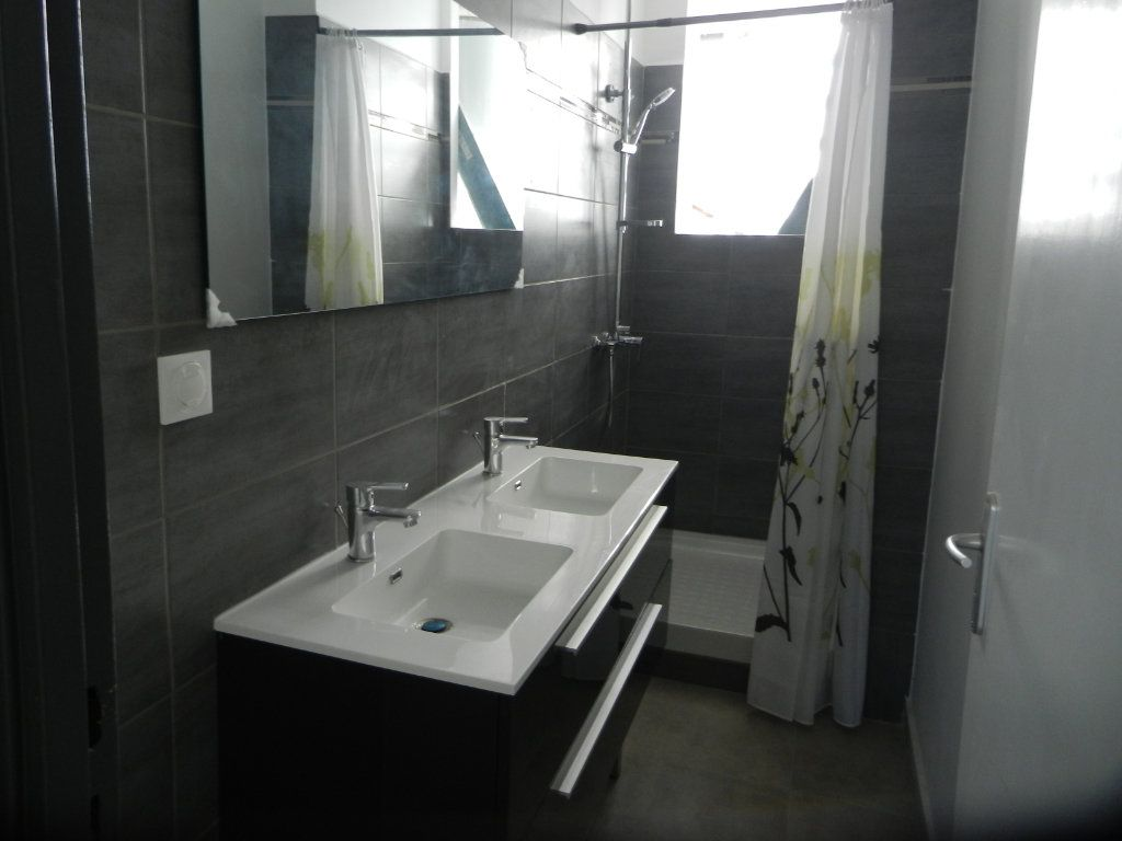 Appartement à vendre 3 45.46m2 à Pointe-à-Pitre vignette-4