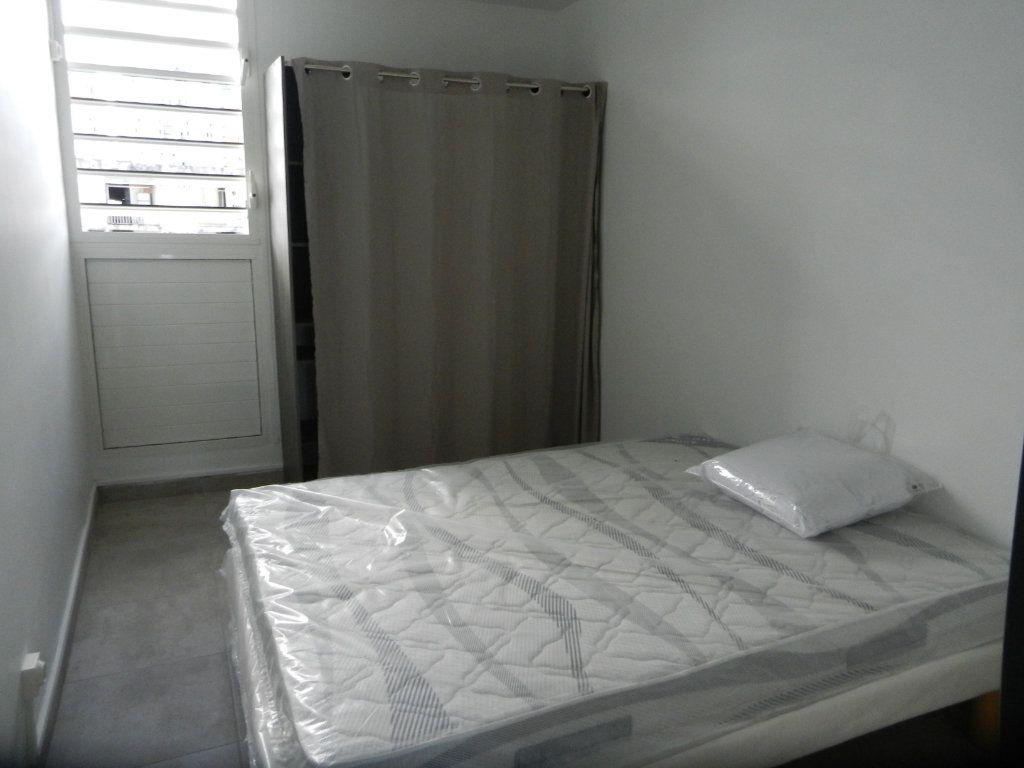 Appartement à vendre 3 45.46m2 à Pointe-à-Pitre vignette-5