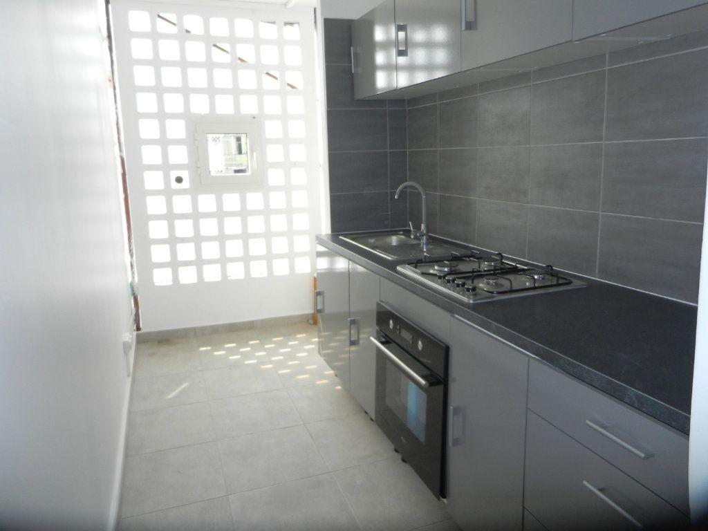 Appartement à vendre 3 45.46m2 à Pointe-à-Pitre vignette-7