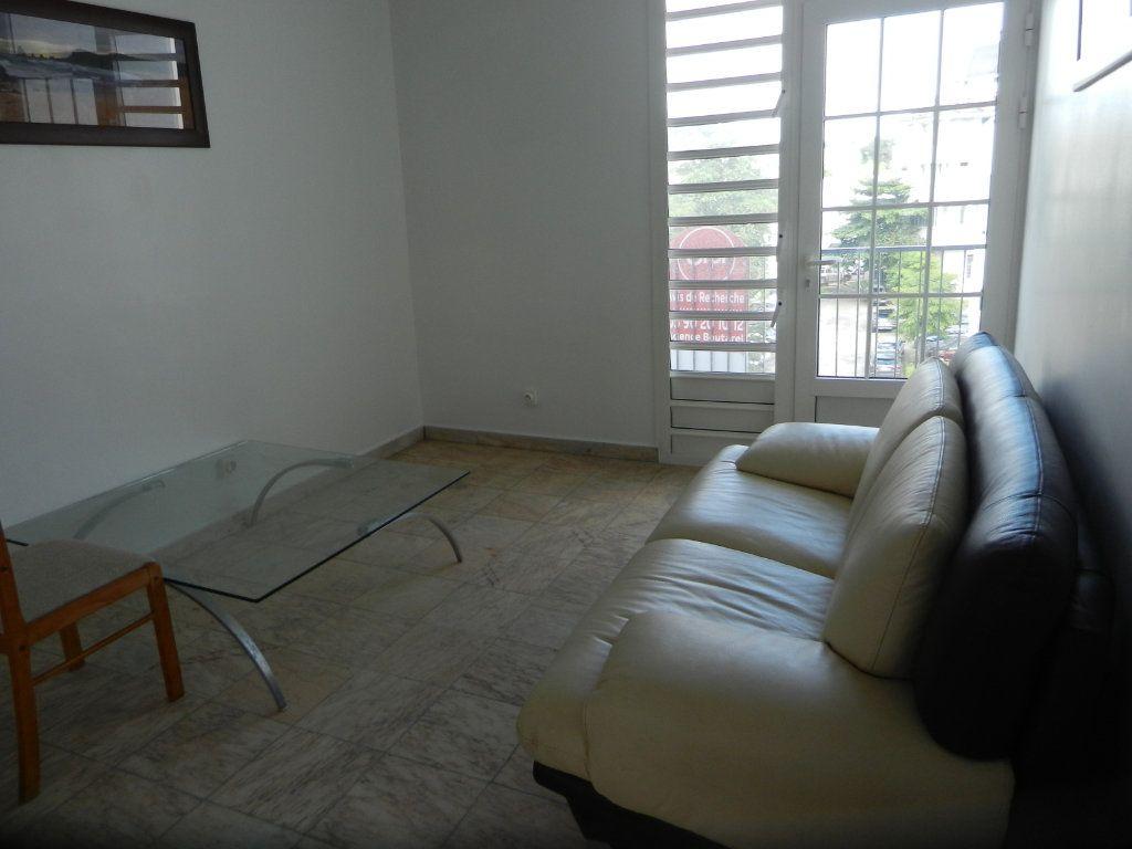 Appartement à vendre 3 45.46m2 à Pointe-à-Pitre vignette-8