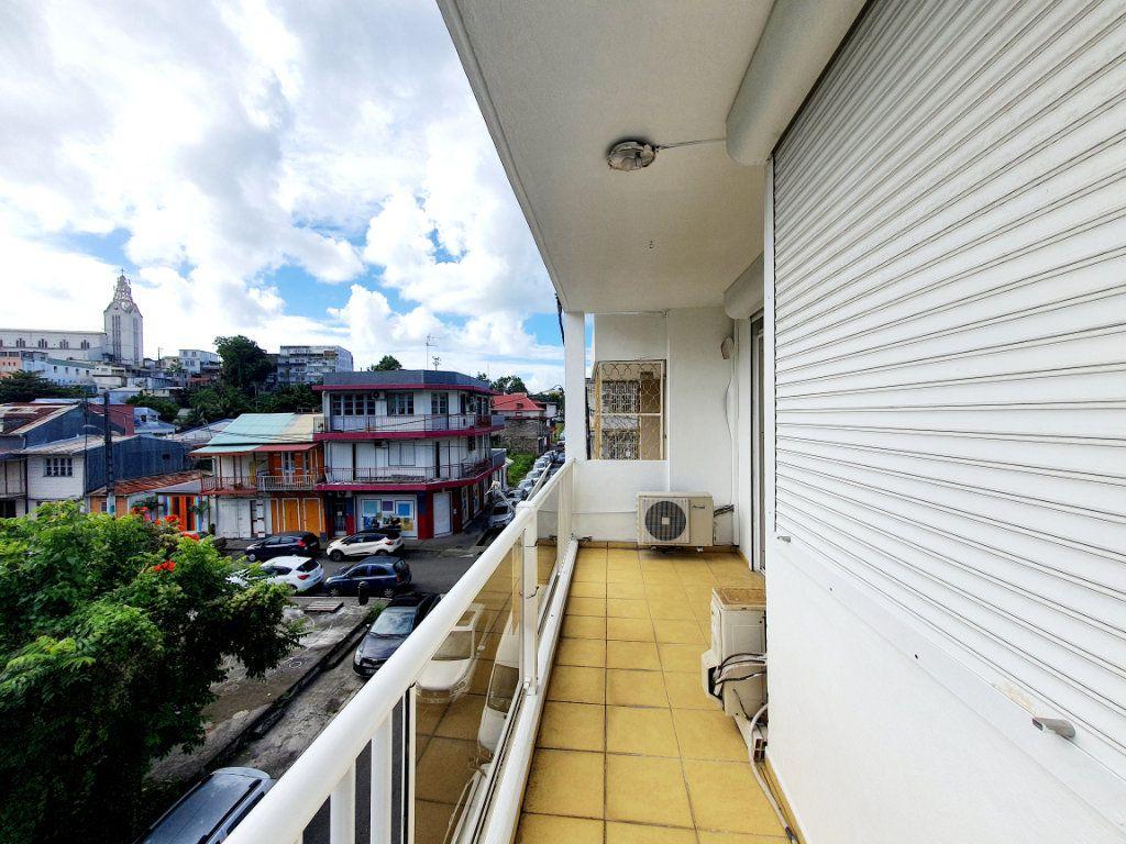 Appartement à vendre 3 63.19m2 à Pointe-à-Pitre vignette-1