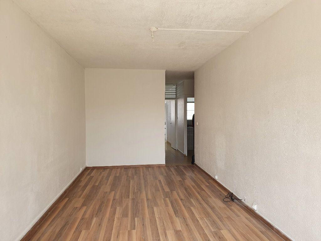 Appartement à vendre 3 63.19m2 à Pointe-à-Pitre vignette-3