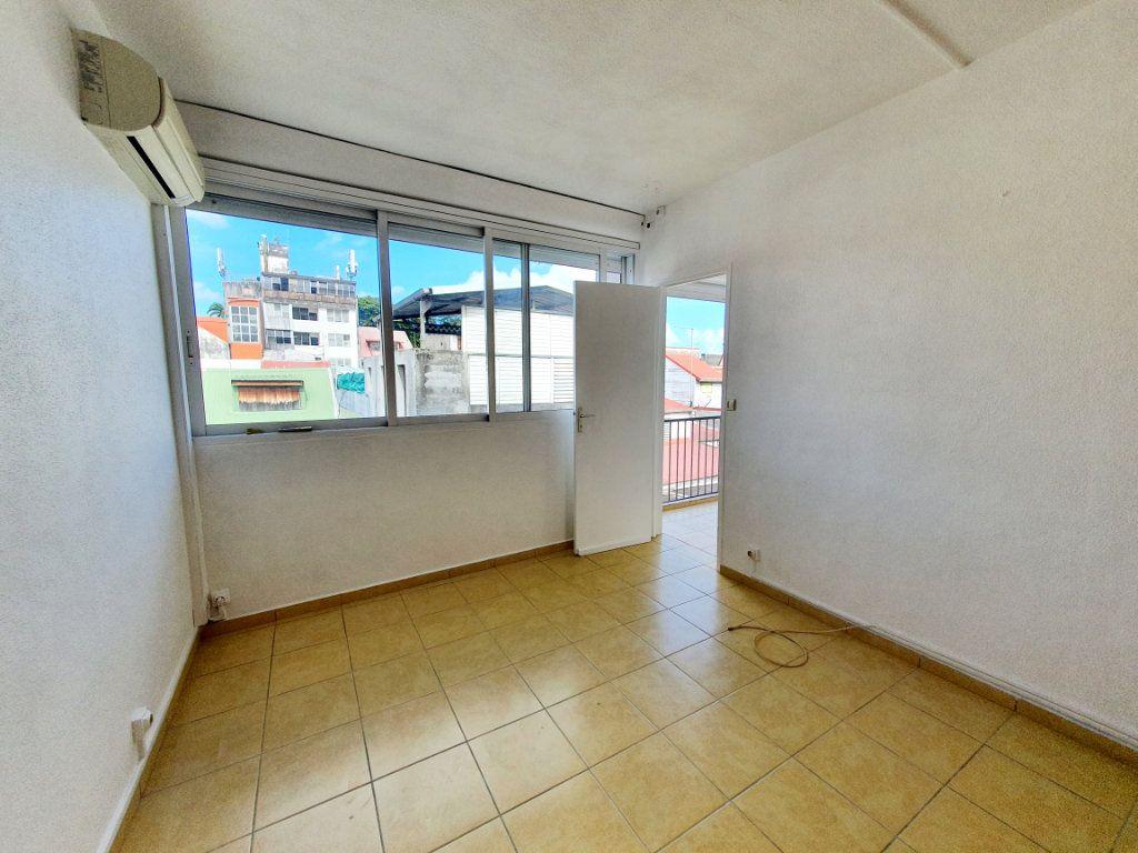Appartement à vendre 3 63.19m2 à Pointe-à-Pitre vignette-4