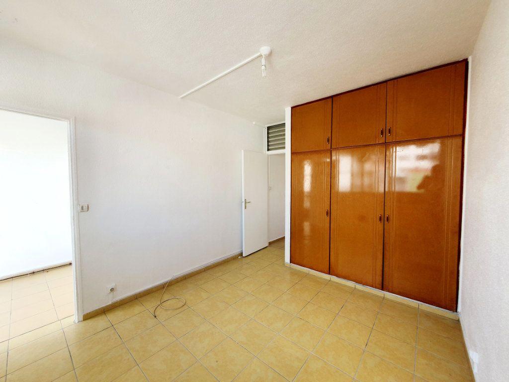 Appartement à vendre 3 63.19m2 à Pointe-à-Pitre vignette-5