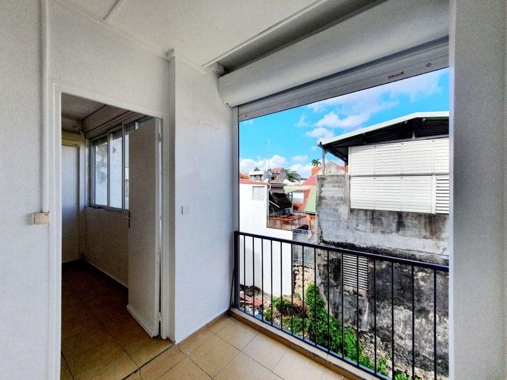 Appartement à vendre 3 63.19m2 à Pointe-à-Pitre vignette-7