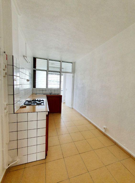 Appartement à vendre 3 63.19m2 à Pointe-à-Pitre vignette-9
