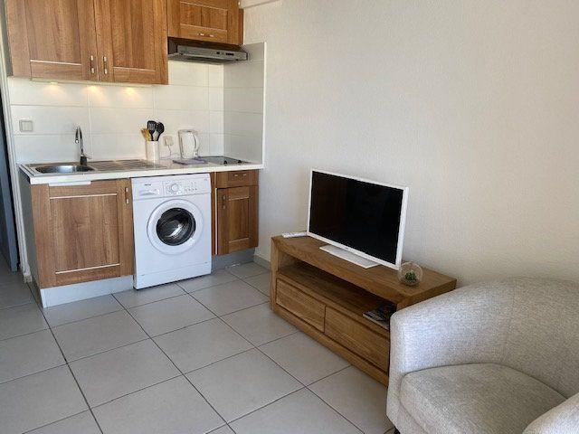 Appartement à louer 2 30.07m2 à Saint-François vignette-2