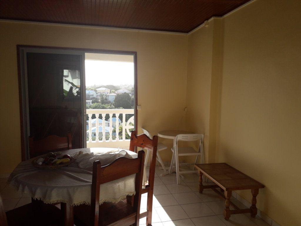 Appartement à louer 2 40.55m2 à Le Gosier vignette-9