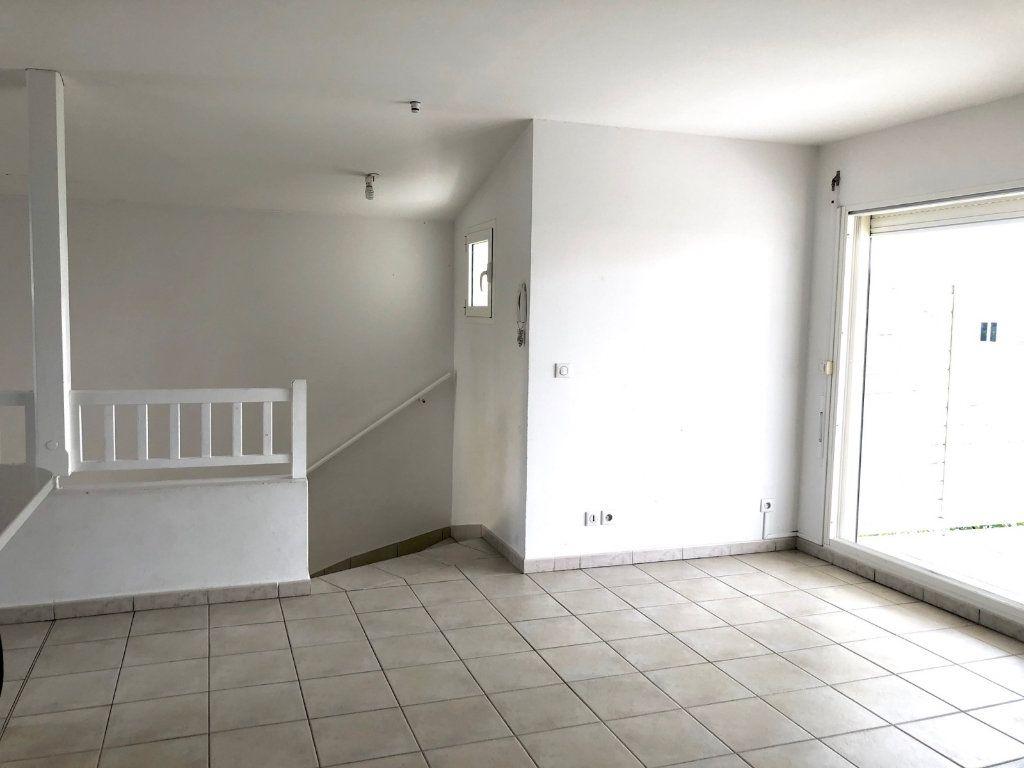 Appartement à vendre 3 60m2 à Le Moule vignette-3