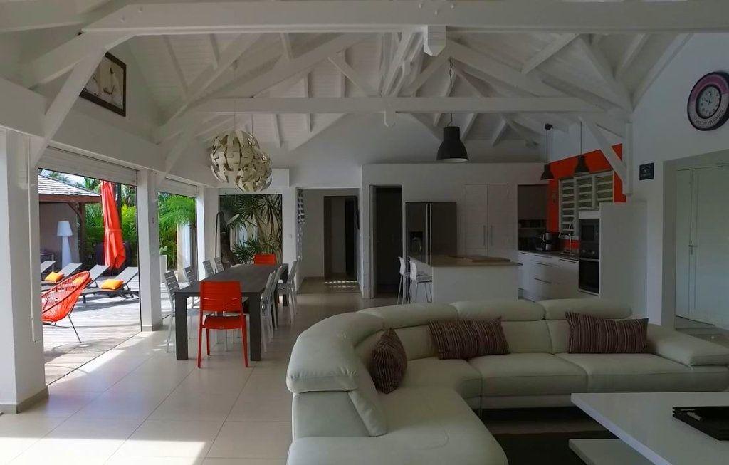 Maison à vendre 7 230m2 à Sainte-Anne vignette-10