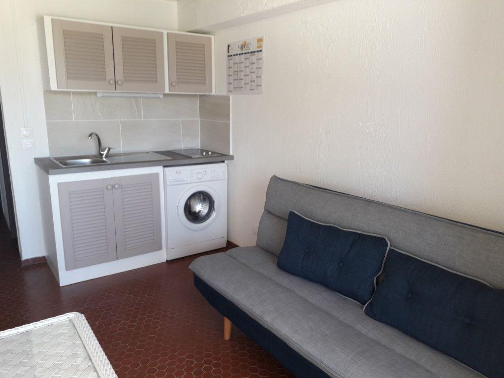 Appartement à louer 2 30.07m2 à Saint-François vignette-3