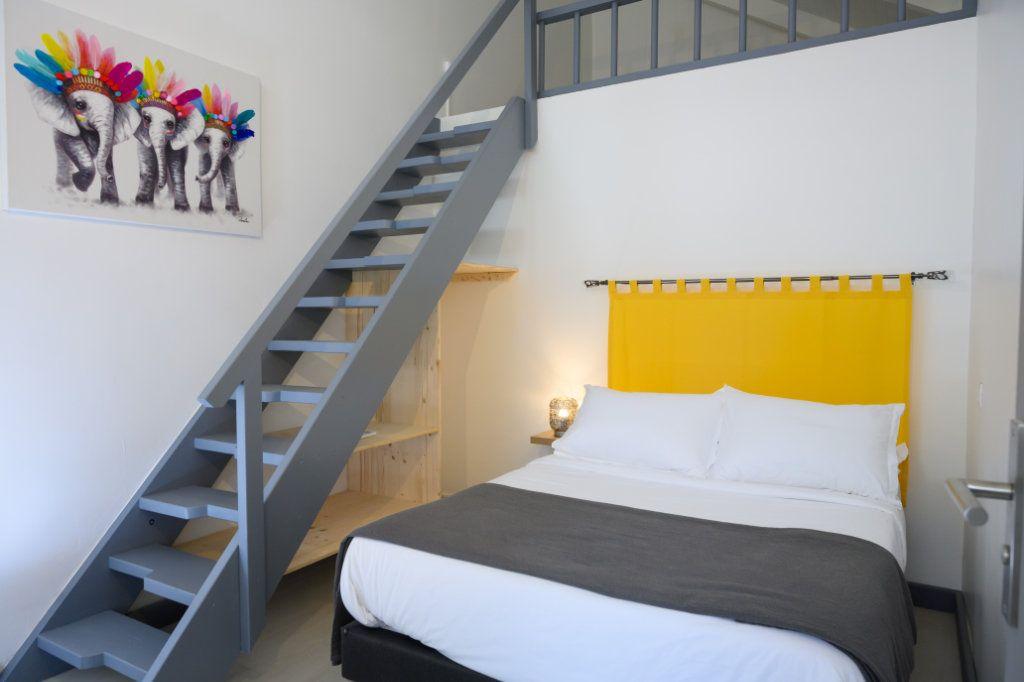 Appartement à vendre 4 139.92m2 à Pointe-à-Pitre vignette-11