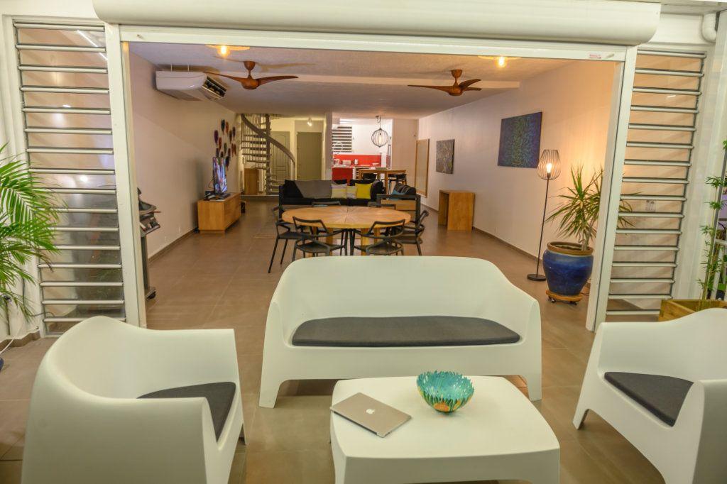 Appartement à vendre 4 139.92m2 à Pointe-à-Pitre vignette-13