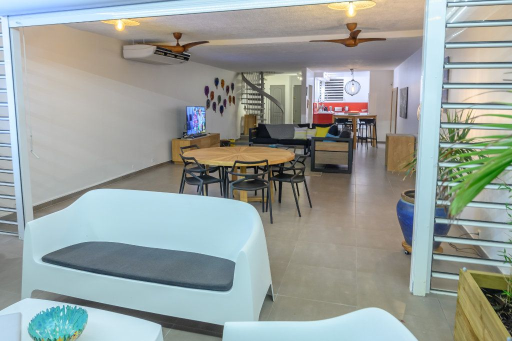 Appartement à vendre 4 139.92m2 à Pointe-à-Pitre vignette-14