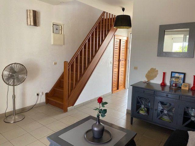 Appartement à louer 2 33.4m2 à Saint-François vignette-2