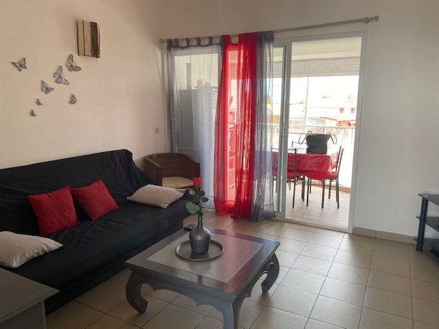 Appartement à louer 2 33.4m2 à Saint-François vignette-3