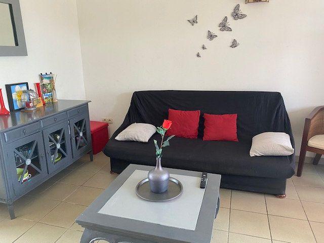 Appartement à louer 2 33.4m2 à Saint-François vignette-4