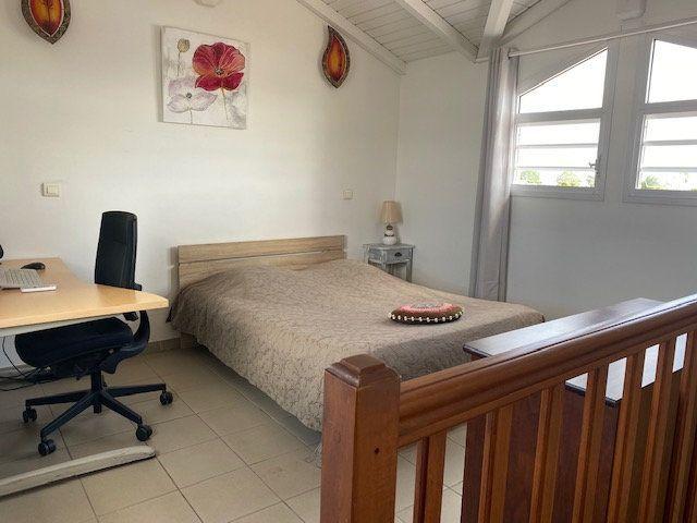 Appartement à louer 2 33.4m2 à Saint-François vignette-9