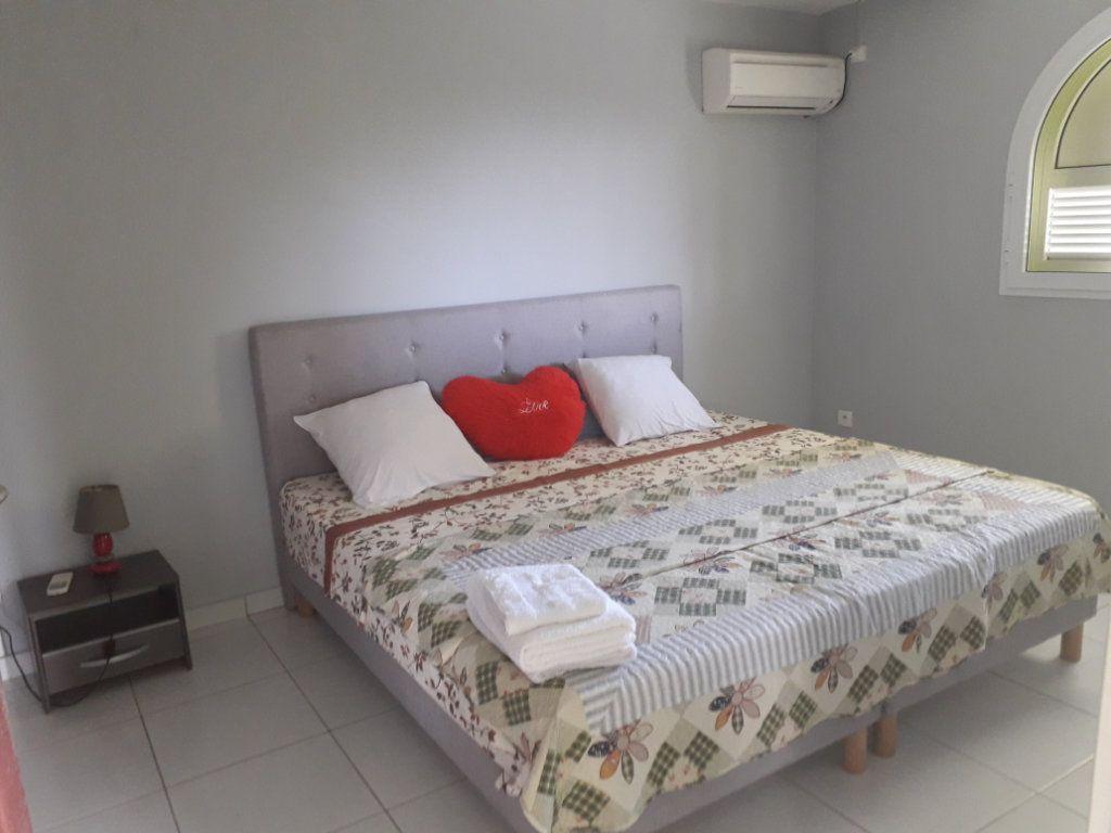Appartement à louer 2 40m2 à Sainte-Anne vignette-3