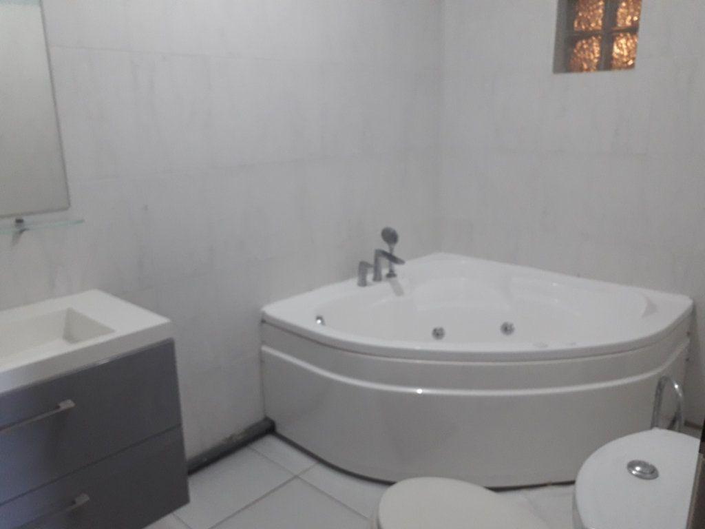 Appartement à louer 2 40m2 à Sainte-Anne vignette-4