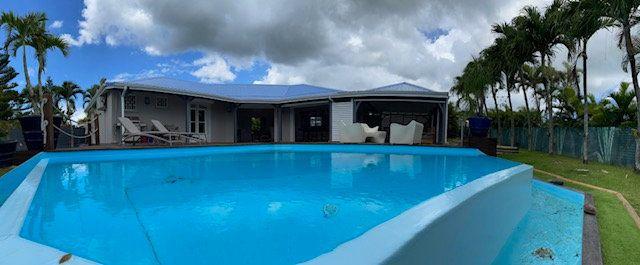 Maison à vendre 5 150m2 à Baie-Mahault vignette-1