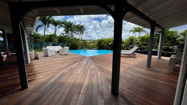 Maison à vendre 5 150m2 à Baie-Mahault vignette-4