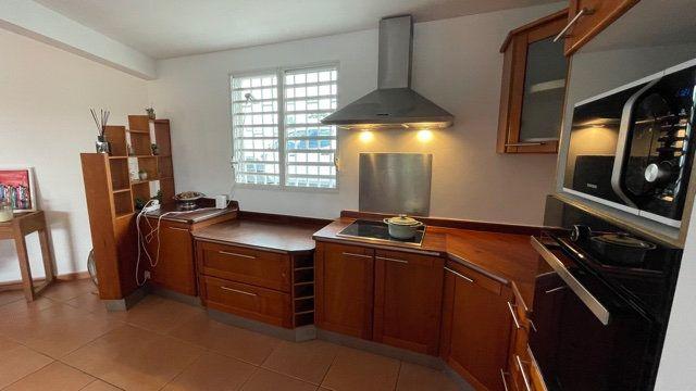 Maison à vendre 5 150m2 à Baie-Mahault vignette-17