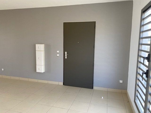 Appartement à louer 3 65.29m2 à Saint-François vignette-4