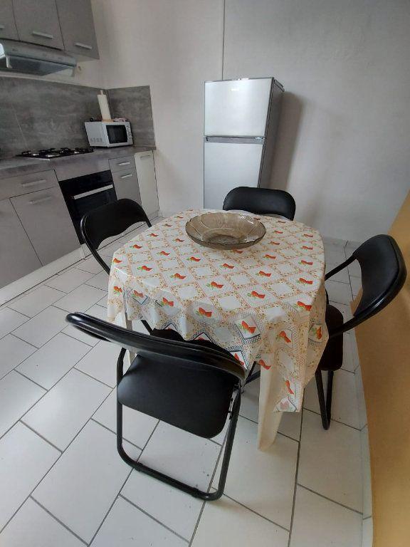 Appartement à louer 3 56.56m2 à Le Moule vignette-2