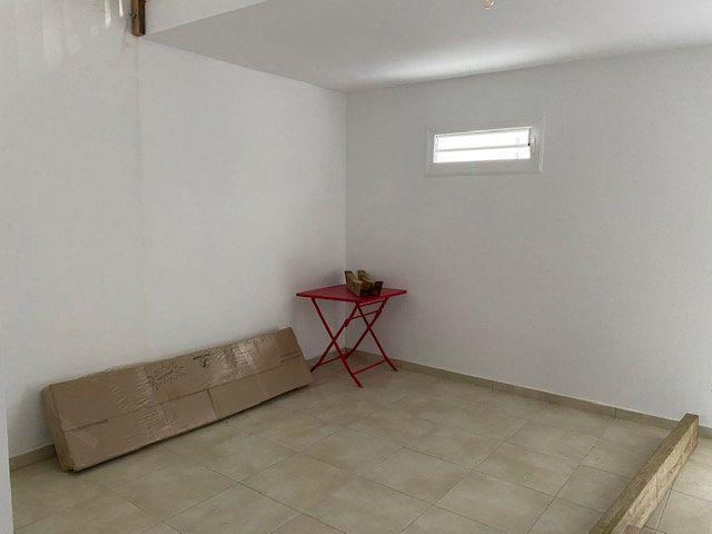Appartement à louer 1 36m2 à Les Abymes vignette-5