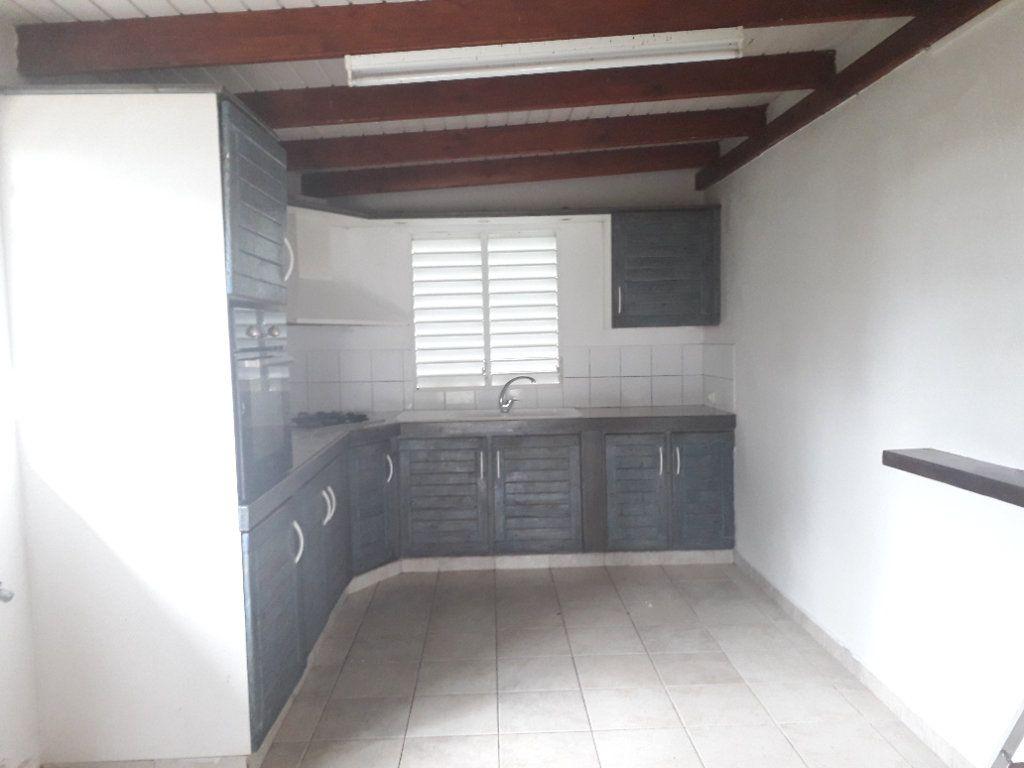 Maison à louer 3 55m2 à Morne-à-l'Eau vignette-3