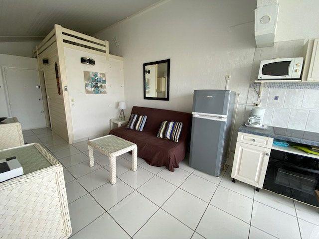 Appartement à louer 1 24.99m2 à Saint-François vignette-4