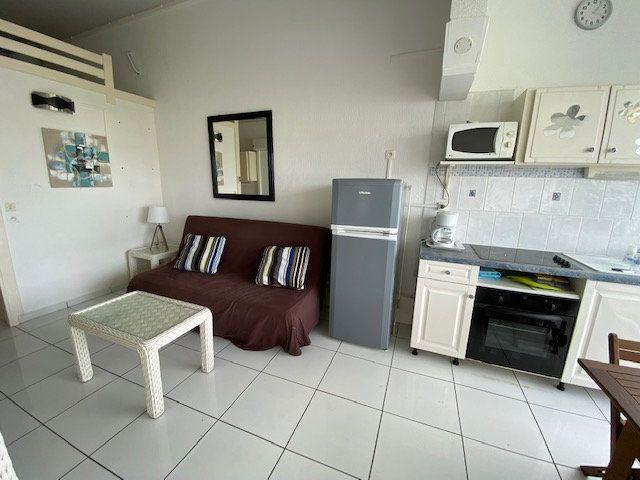 Appartement à louer 1 24.99m2 à Saint-François vignette-6