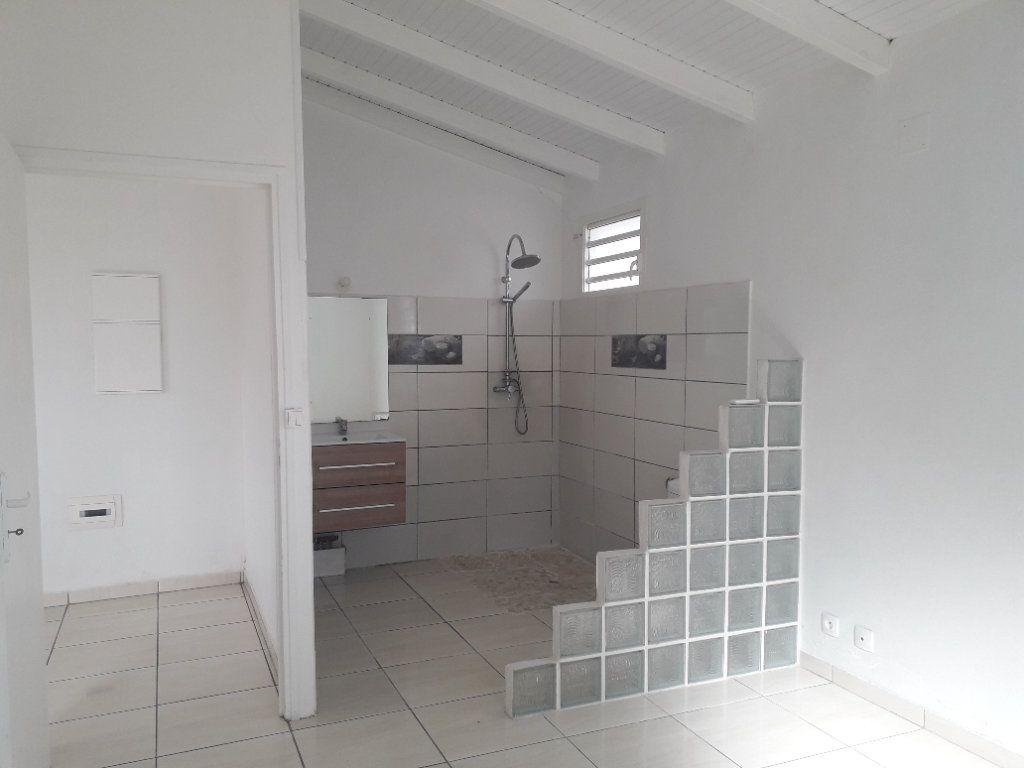 Maison à louer 2 37m2 à Le Moule vignette-4