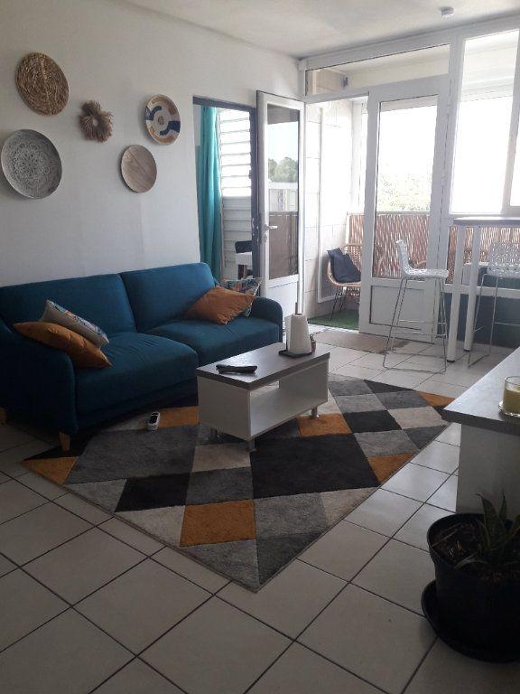 Appartement à louer 4 58.85m2 à Les Abymes vignette-3