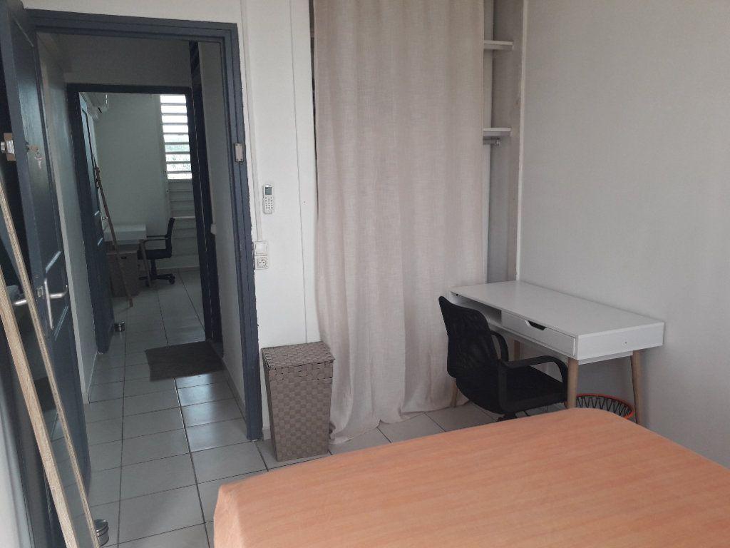 Appartement à louer 4 58.85m2 à Les Abymes vignette-16