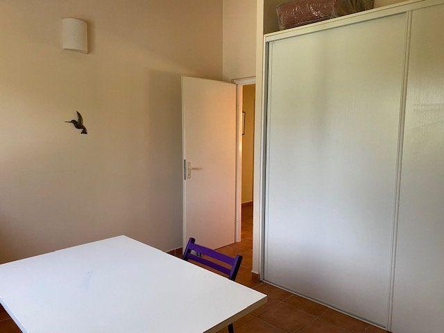 Maison à louer 5 140m2 à Saint-François vignette-18
