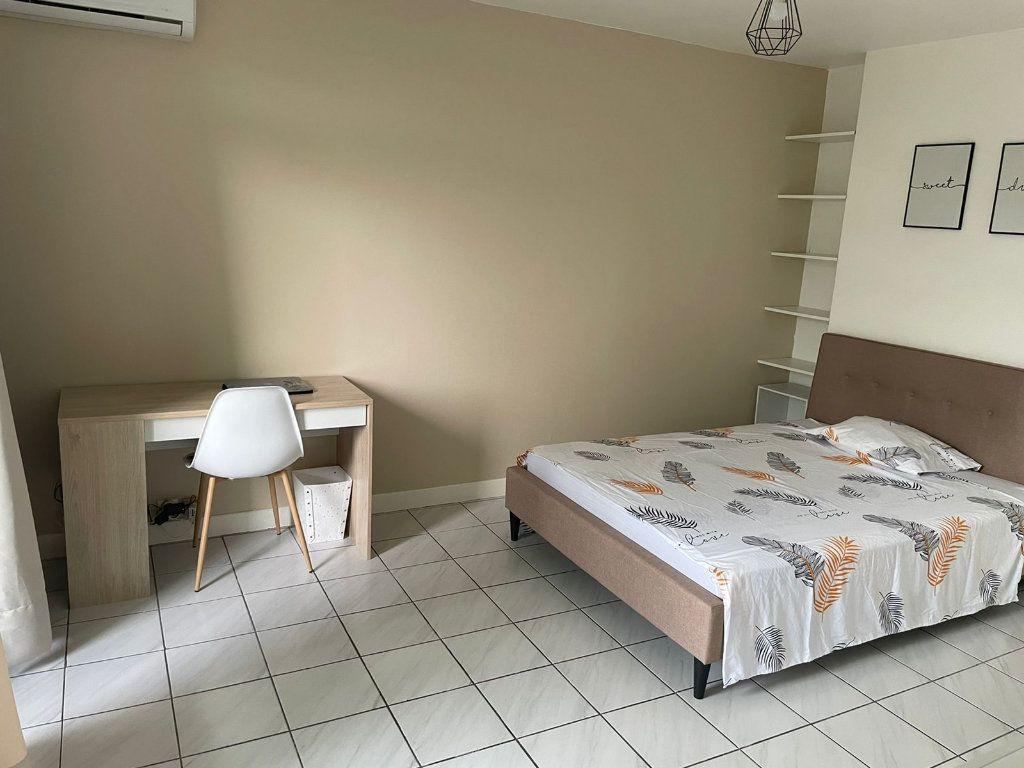 Appartement à louer 2 47m2 à Les Abymes vignette-8