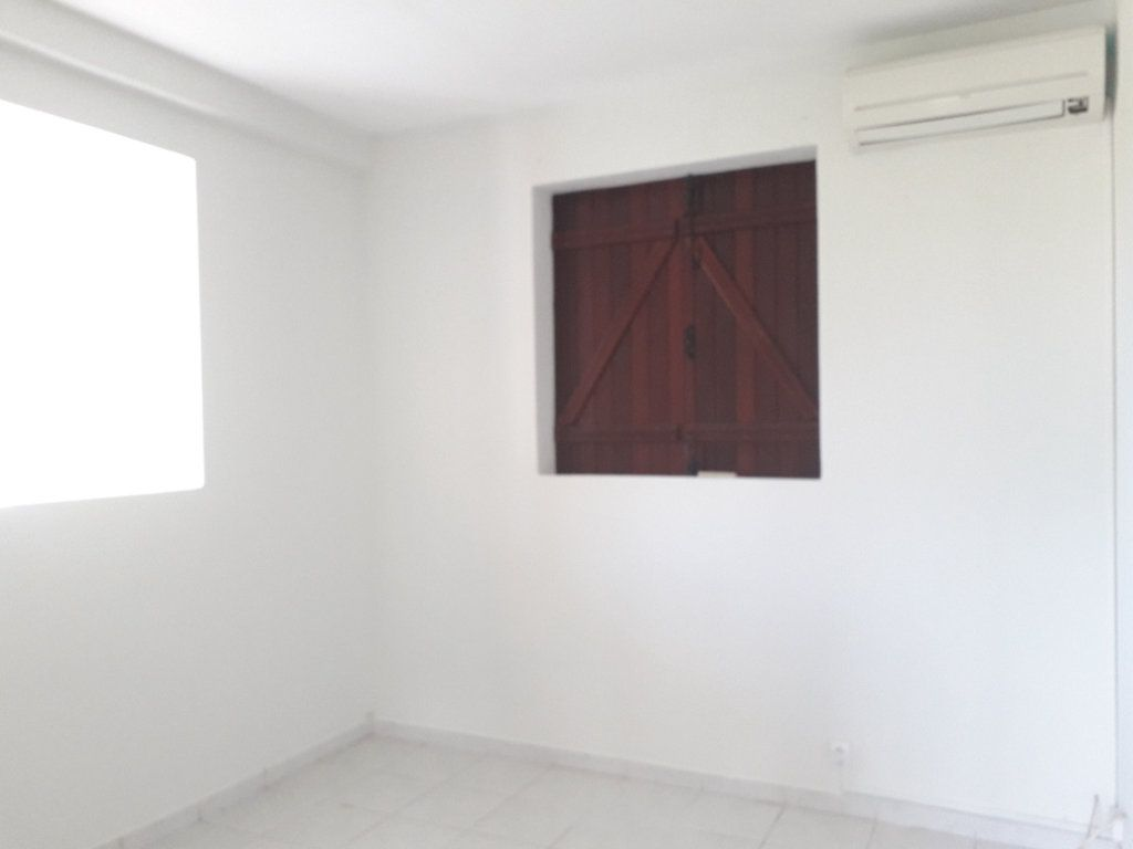 Maison à louer 4 66m2 à Morne-à-l'Eau vignette-8