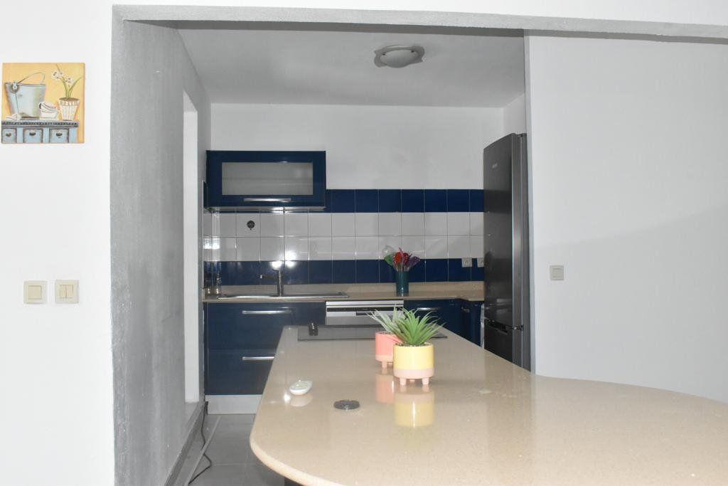 Appartement à louer 3 65m2 à Le Gosier vignette-6