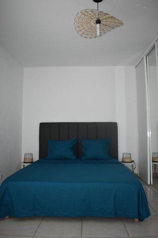 Appartement à louer 3 65m2 à Le Gosier vignette-8