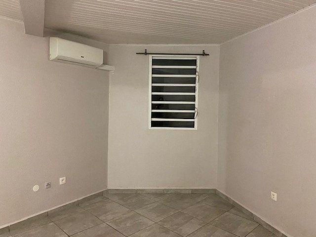 Appartement à louer 3 51m2 à Sainte-Anne vignette-3