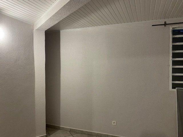 Appartement à louer 3 51m2 à Sainte-Anne vignette-10