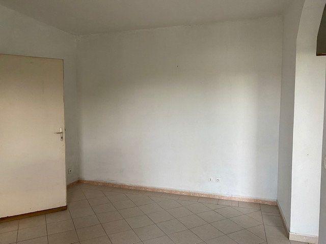 Appartement à louer 2 37.11m2 à Le Moule vignette-5