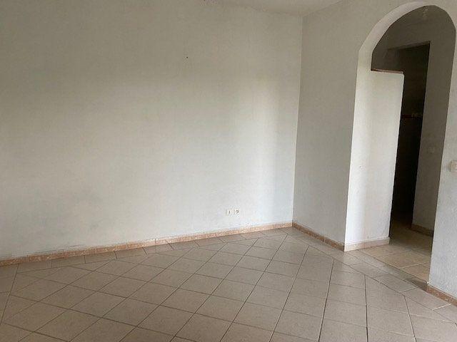 Appartement à louer 2 37.11m2 à Le Moule vignette-6