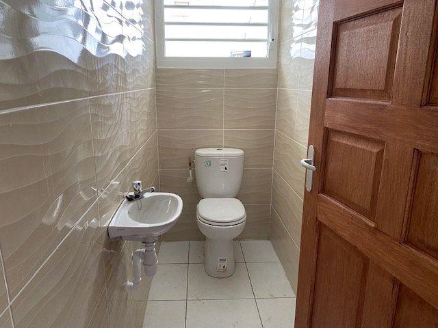 Appartement à louer 3 71.65m2 à Sainte-Anne vignette-10