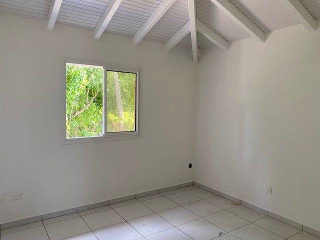 Appartement à louer 3 71.65m2 à Sainte-Anne vignette-11