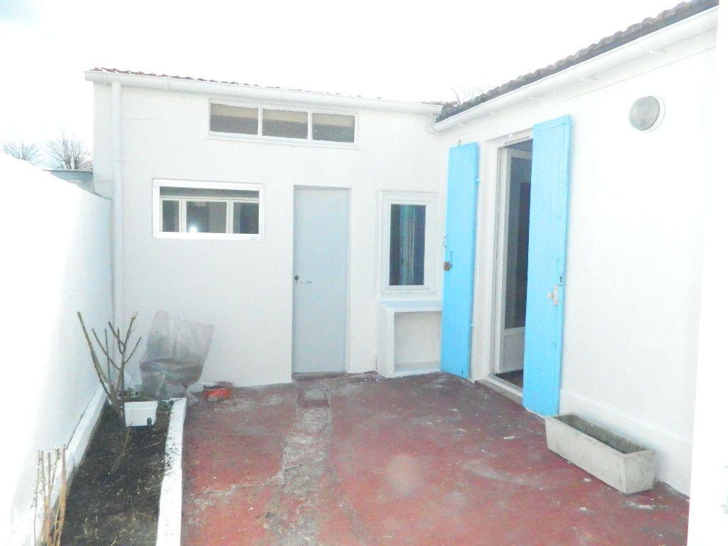 Maison à louer 3 63.72m2 à Rochefort vignette-4